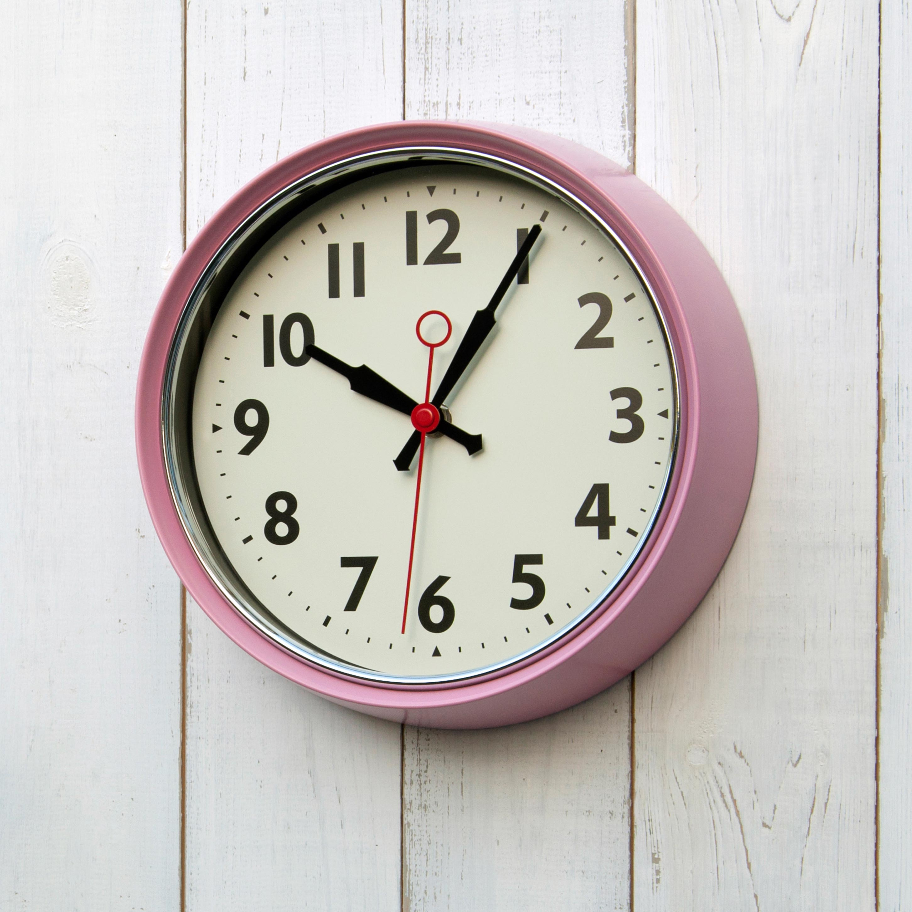 1950s pink metal wall clock dotcomgiftshop amipublicfo Image collections