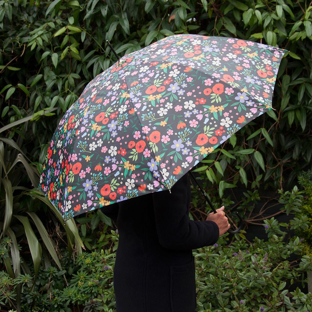 Dotcomgiftshop midnight garden design ladies waterproof for Garden design quiz