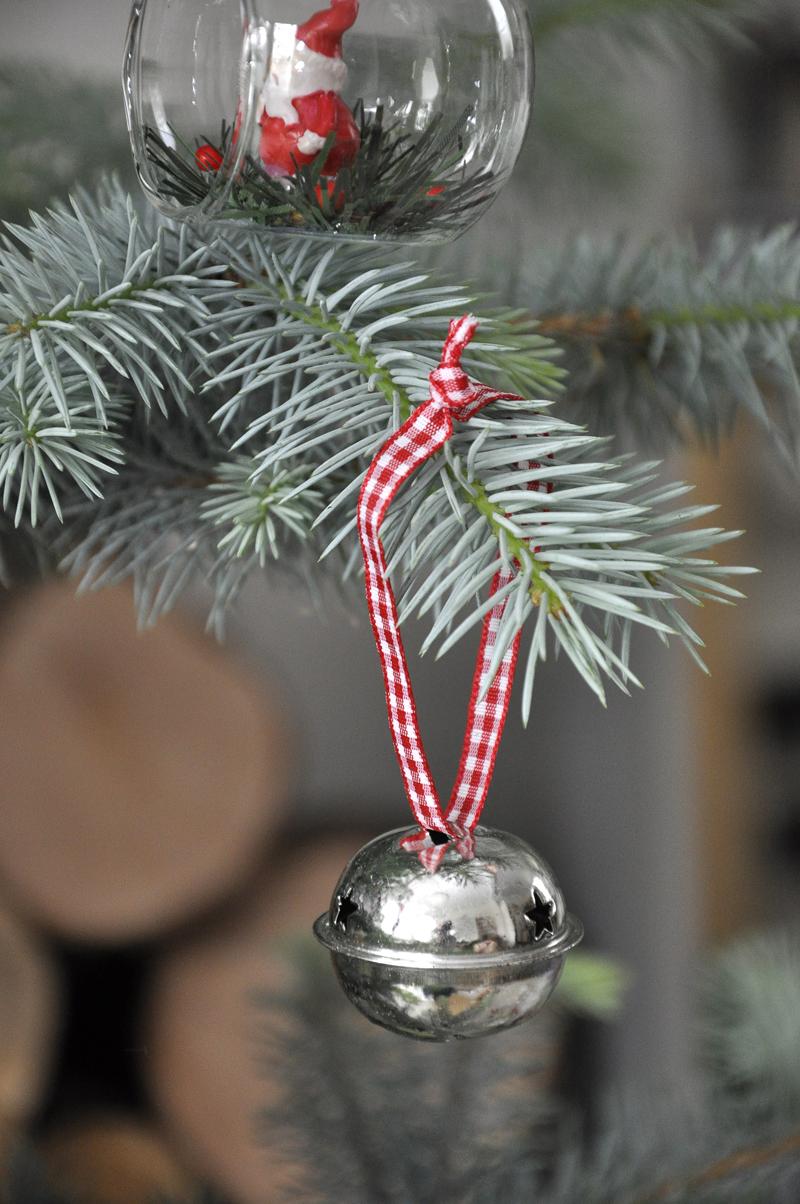 Set of christmas sleigh bells dotcomgiftshop