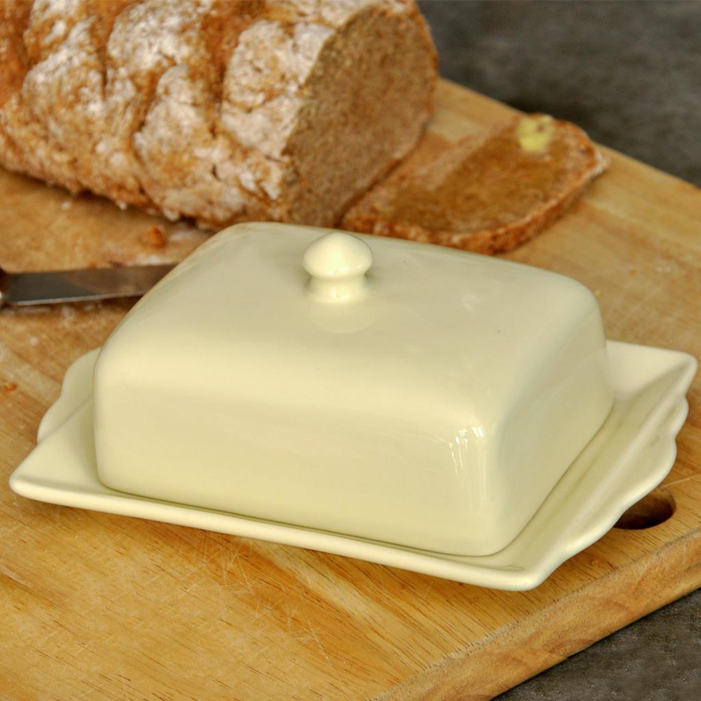 Dotcomgiftshop Retro Cream Ceramic Lidded Butter Dish