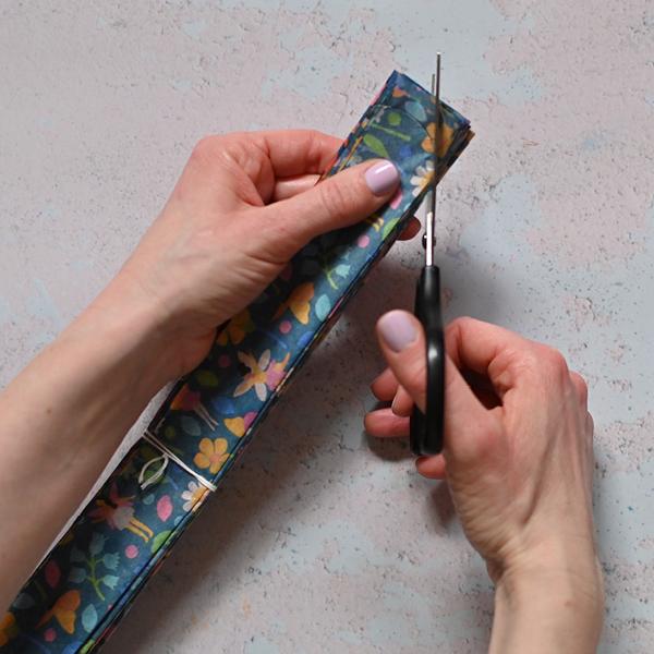 Tissue paper pom-pom tutorial