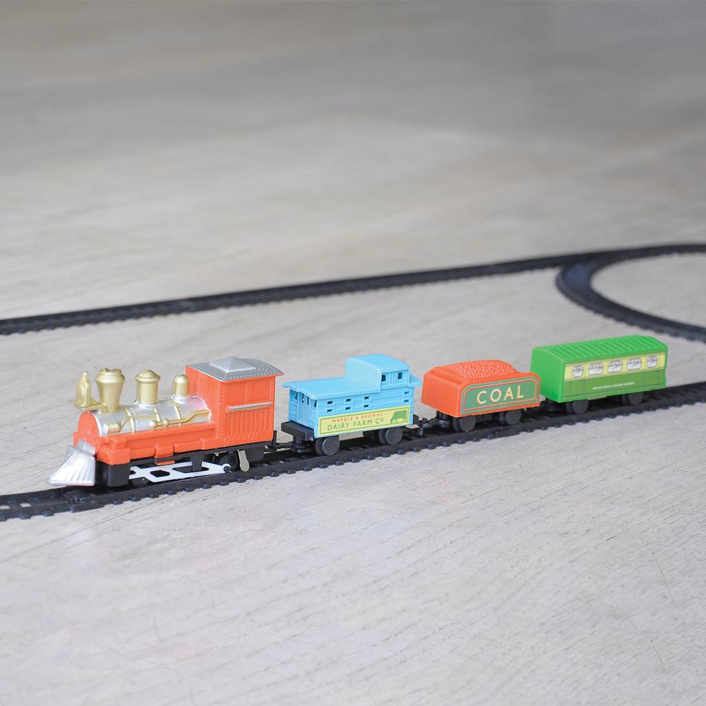 Battery Train Set : Traditional miniature battery operated train set rex