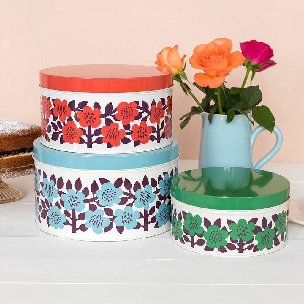 astrid flower round tins