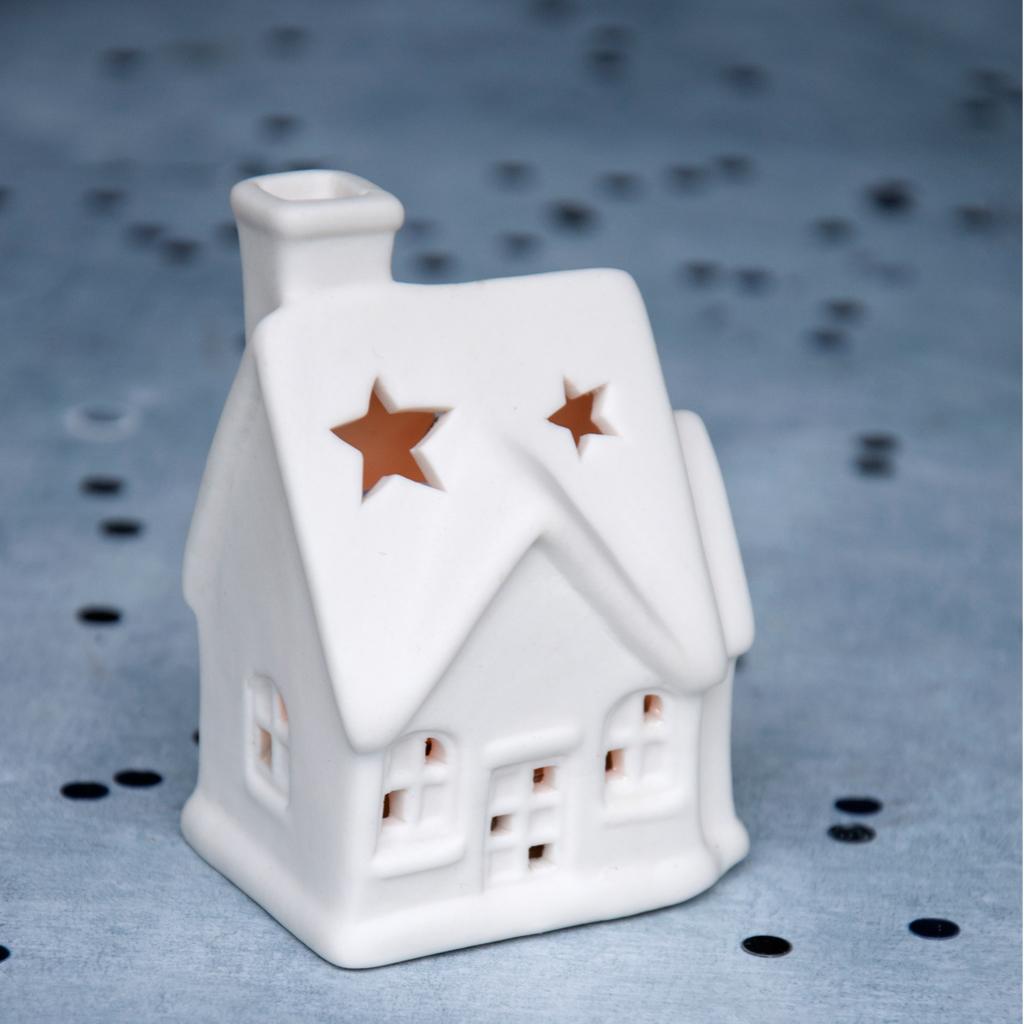 Dotcomgiftshop White Ceramic Christmas Cottage Tea Light