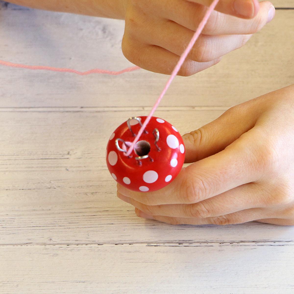 French knitting tutorial step 3