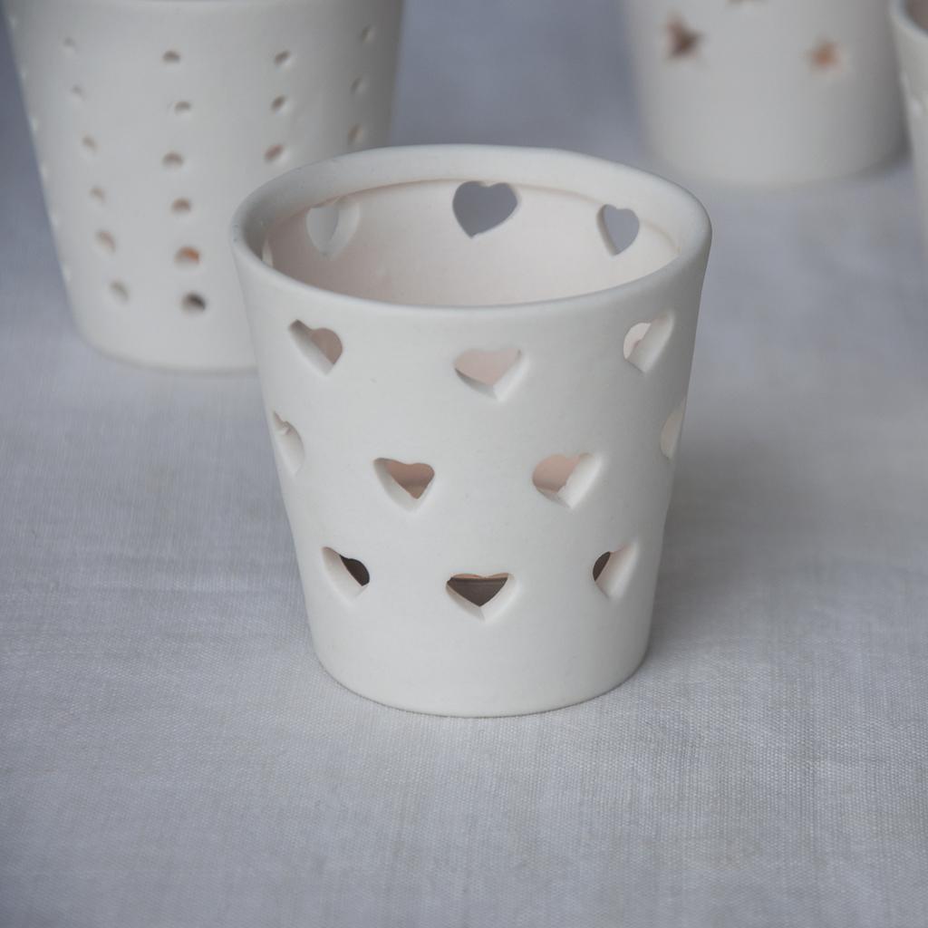 Dotcomgiftshop White Heart Ceramic Tea Light Candle Holder