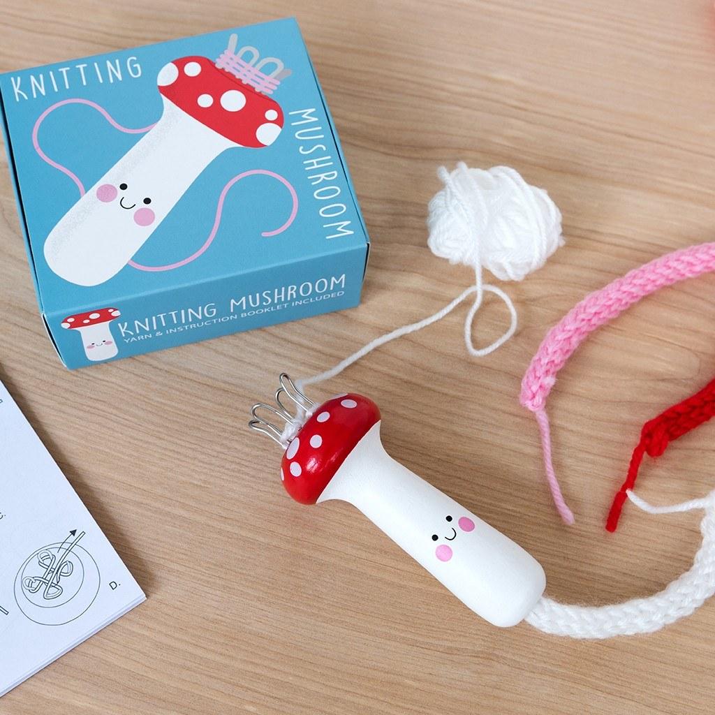 Knitting mushroom