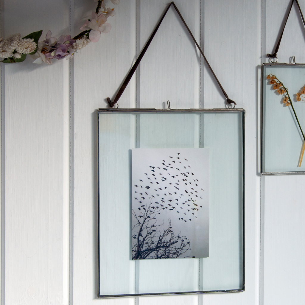 grosser glasrahmen zum aufh ngen 20 x 25 cm dotcomgiftshop. Black Bedroom Furniture Sets. Home Design Ideas