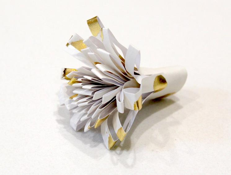 roll up flower centre