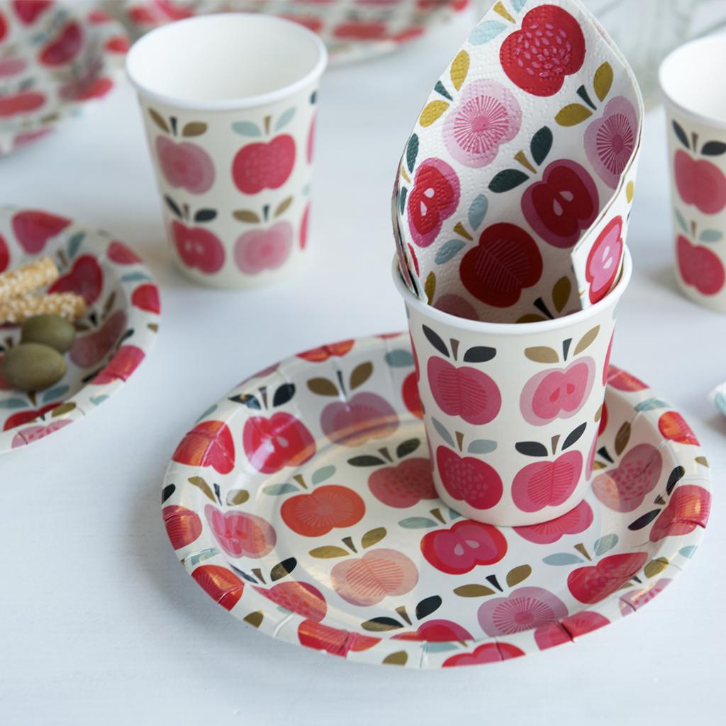 vintage apple paper cups set of 8 rex london dotcomgiftshop. Black Bedroom Furniture Sets. Home Design Ideas
