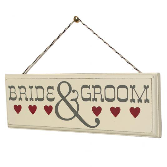 romantic wooden sign bride  u0026 groom
