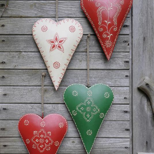 Medium Green Clover Rustic Heart