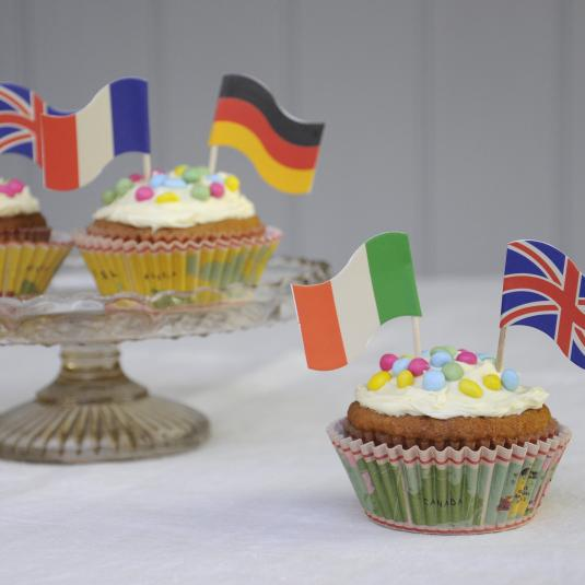 World Map Baking Set