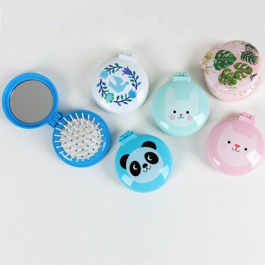 Tropical Palm compact hairbrushes