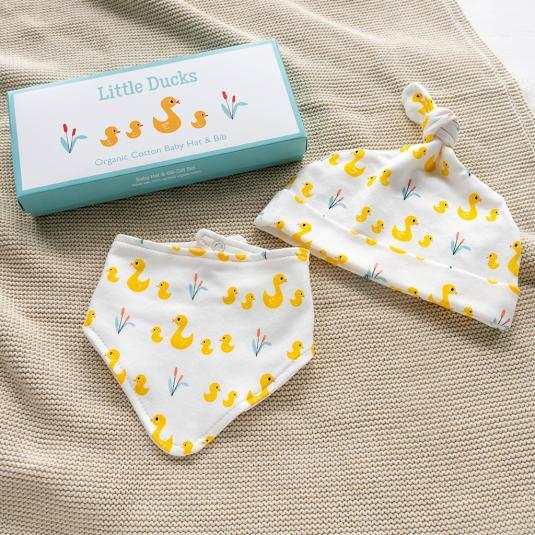 Little Ducks Organic Cotton Babies Hat And Bib Set