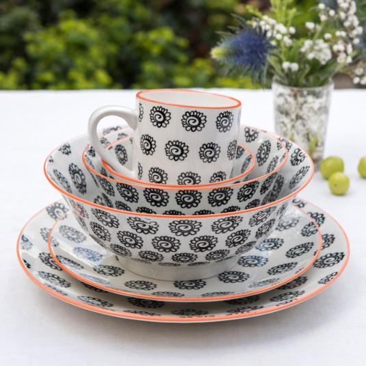 Black Flowers Design Porcelain Tableware