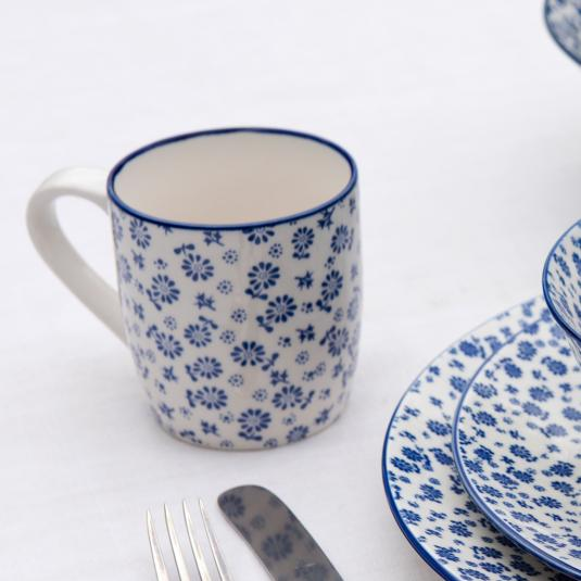 Japanese Mug Blue Daisy