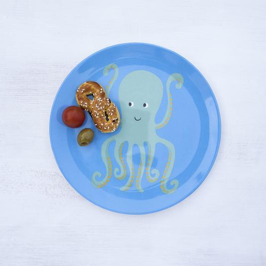 Home & Garden > Kitchen & Dining > Tableware > Dinnerware > Plates