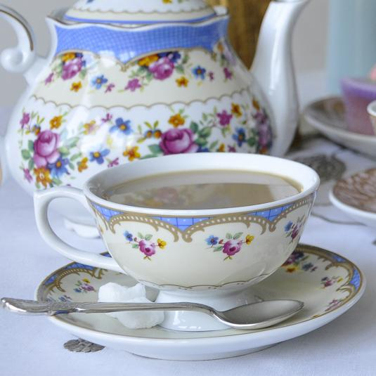 Roses Regency Teacup with Saucer