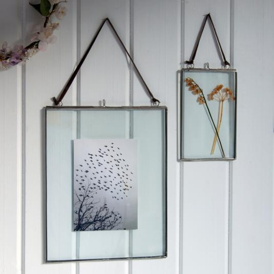 glass hanging frame in silver 15x10cm dotcomgiftshop