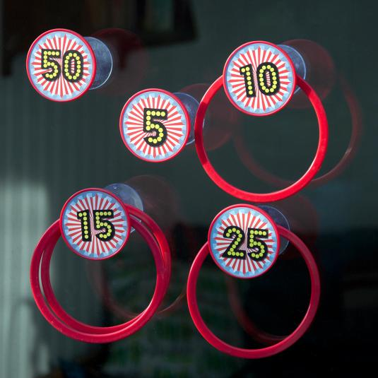12 Piece Suction Cup Hoopla Game
