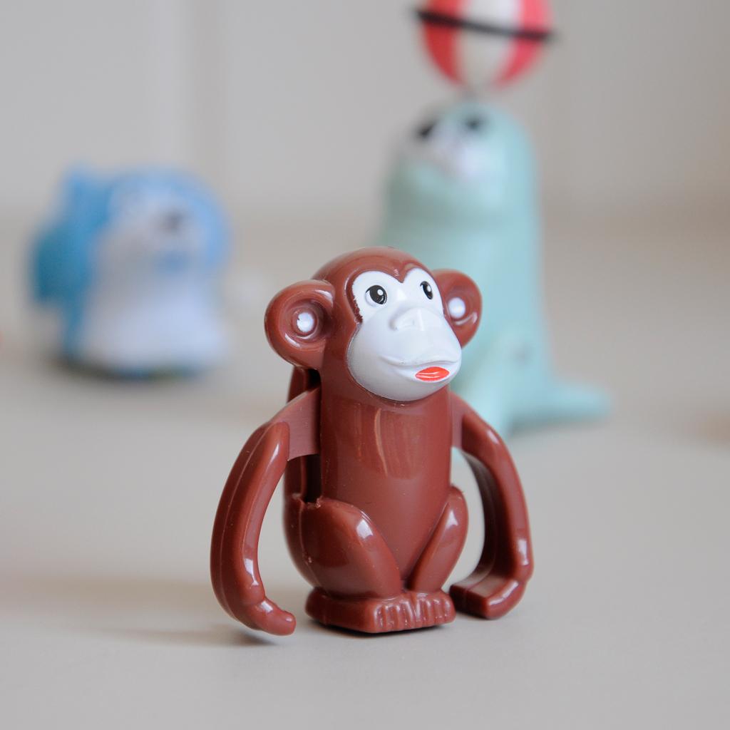 Wind Up Dancing Monkey Toy Dotcomgiftshop