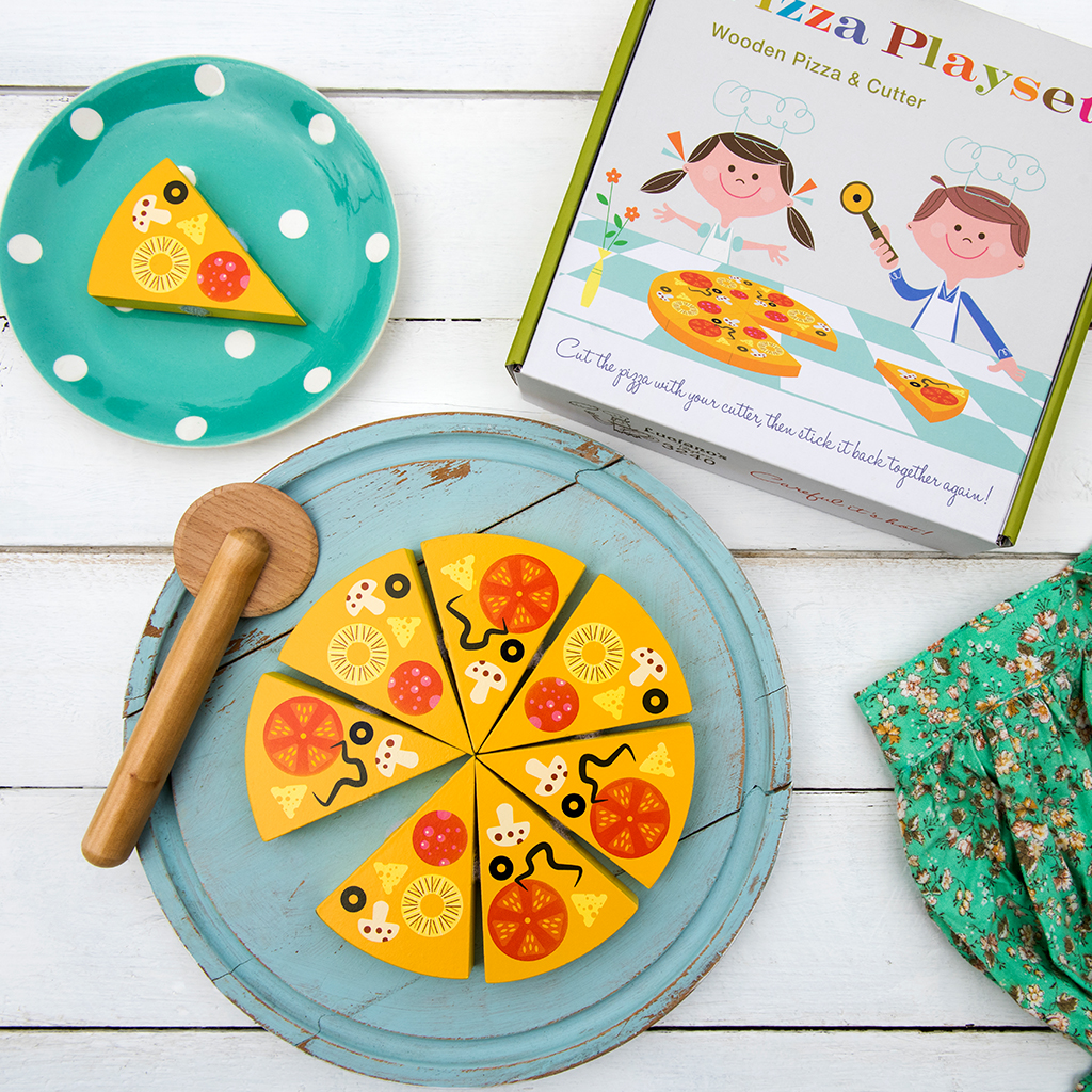 Wooden toy pizza in a box